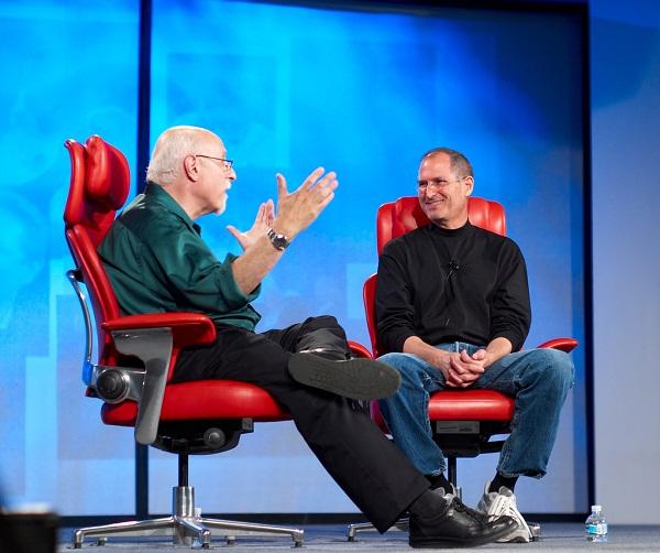 Wall Mossberg y Steve Jobs